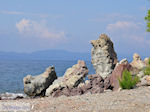 Rotsen aan strand Eftalou (bij Molyvos)
